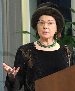 Dr. Elizabeth Fee