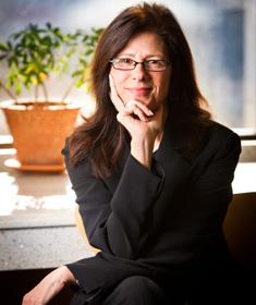 Laura Negrón ('07)