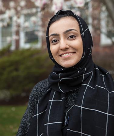 Iqra Nadeem, Salk Scholar from Brooklyn College