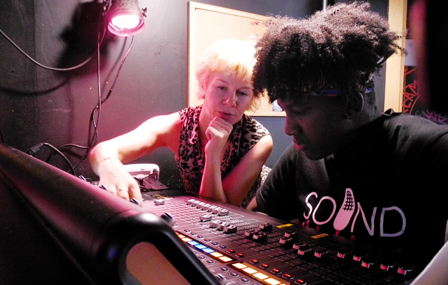 Head Engineer Rebecca Huston and Simone Reynolds from the 2018 Sound Thinking NYC Summer intensive Cohort on a field trip to Sunnyvale Music Venue
