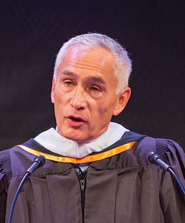 Keynote Speaker Jorge Ramos at the 2018 Craig Newmark CUNY Graduate School of Journalism commencement, held at the [New York] Times Center